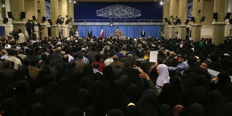 دیدار جمعی از خانوادههای شهدای دفاع مقدس و مدافع حرم