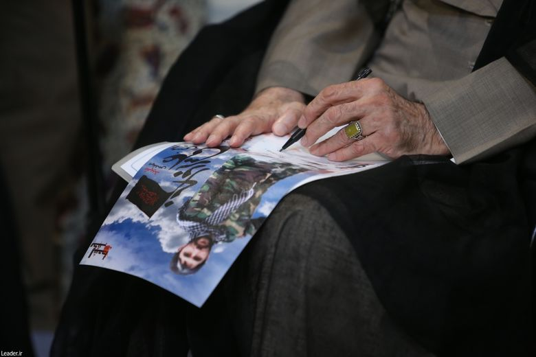 یادداشت رهبر معظم انقلاب بر عکس شهید رضا نقشی قرهباغ شهید مدافع حرم مدافع حرم