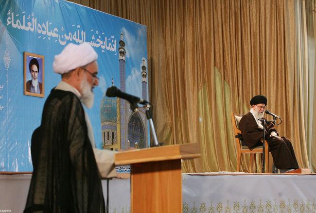 دیدار رهبر معظم انقلاب با علما،فضلا،روحانیون وطلاب شیعه و سنی استان کرمانشاه
