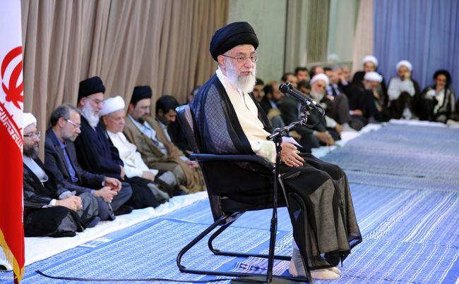 دیدار مسئولین و كارگزاران نظام اسلامى