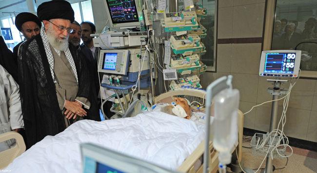 دیدار در بیمارستان از آیت الله مهدوی کنی