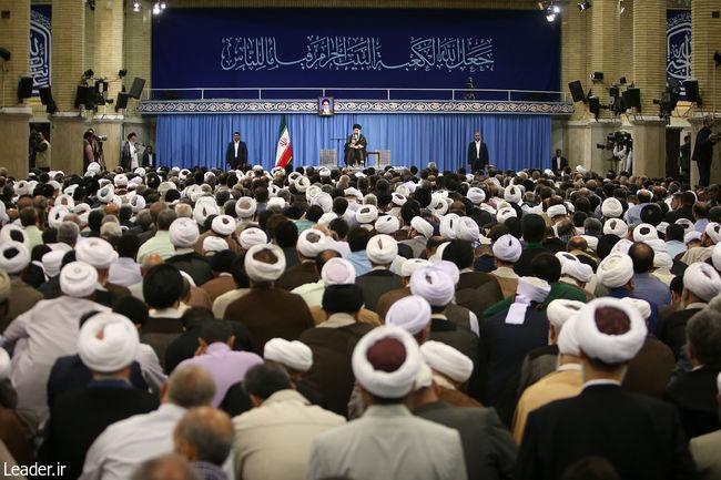 Ayatollah KhameneiはイランのHajj主催者を受け取ります