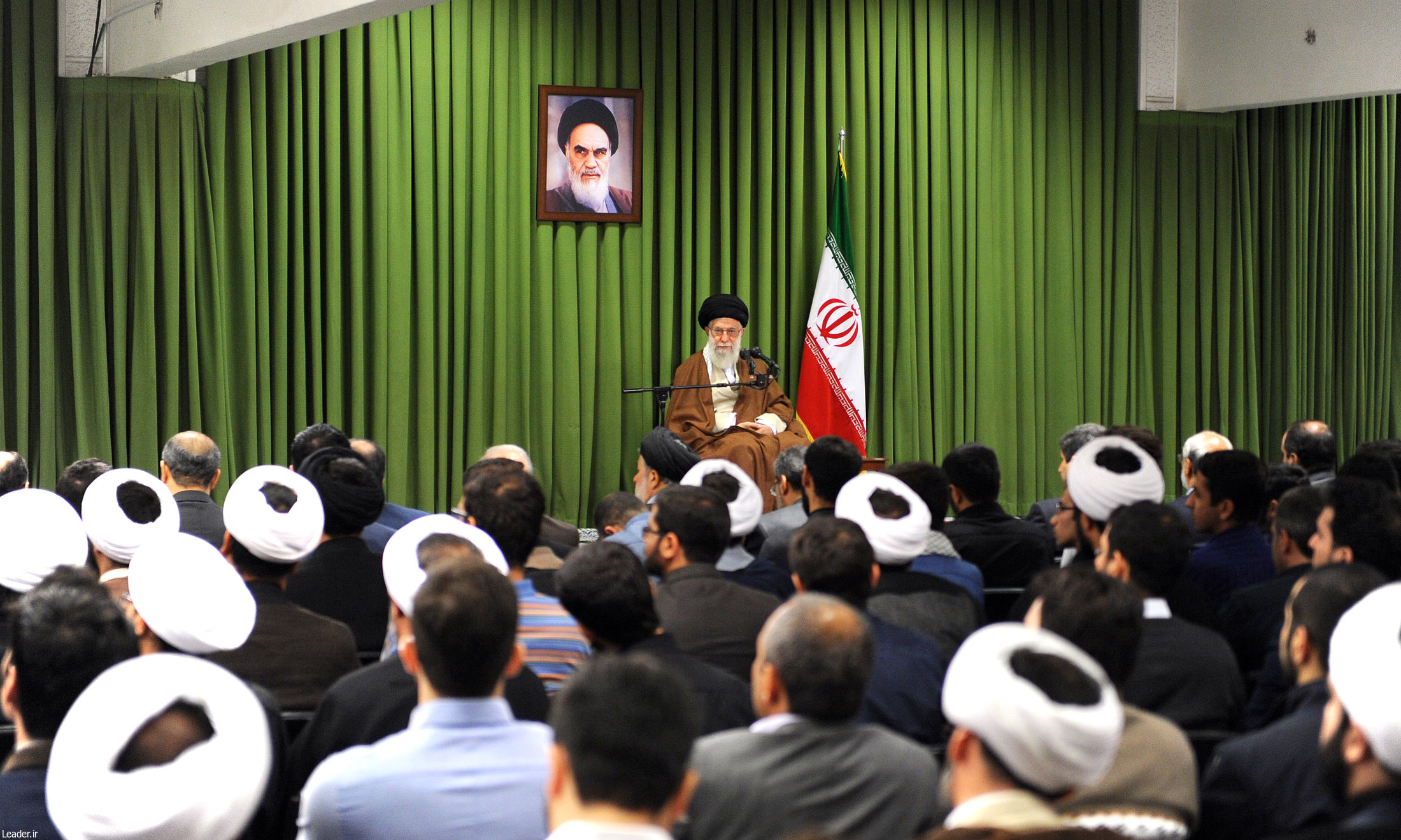 Image result for بیانات در دیدار اعضای هیأت علمی کنگره امام خمینی(ره) سال 78