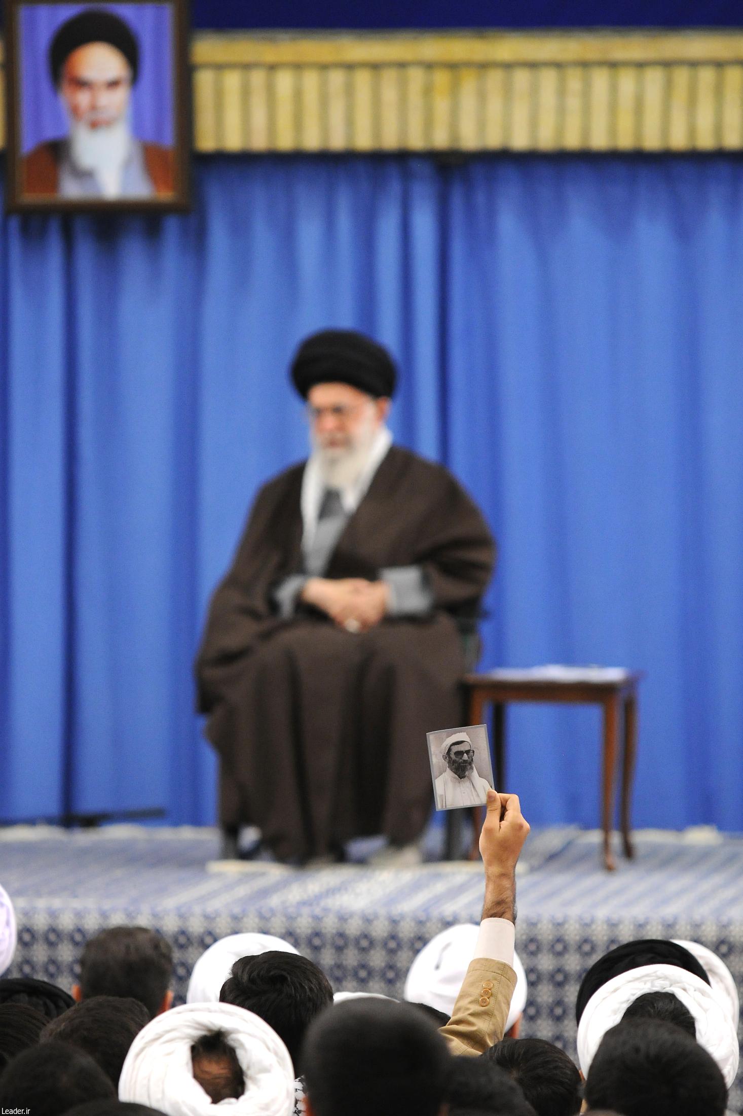 دیدار رهبر انقلاب با طلاب و اساتید حوزه علمیه تهران